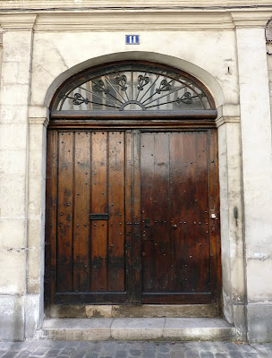 A solid-looking doorway at Compiègne