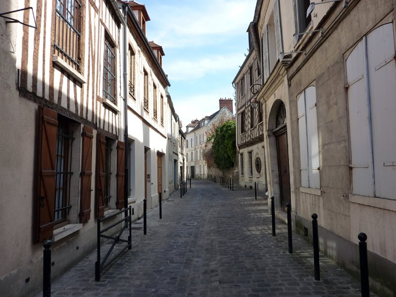 [06_street.jpg]