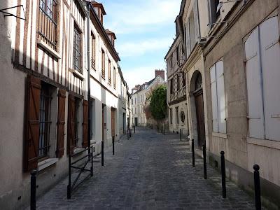 Deserted streets at Compiègne