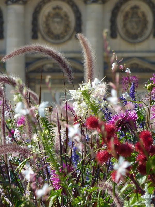 [07_flowers_chateau_backdrop.jpg]