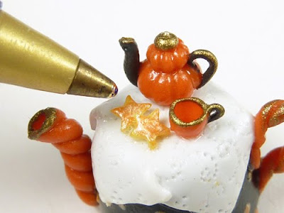 Miniature Teapot for Halloween, Autumn, Thnksgiving by Emmaflam - Paris Miniatures