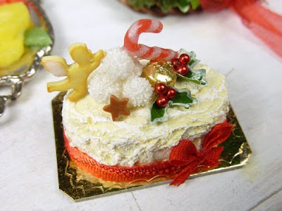 Miniature Christmas Cake