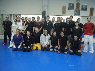Espiritu luchador entrenamiento conjunto de kick boxing for Gimnasio kanku