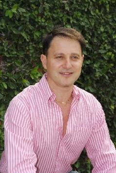 Fundador de Los Robles en Argentina/Chile y Creador del Recurso Educativo Planeta Tierra S.O.S