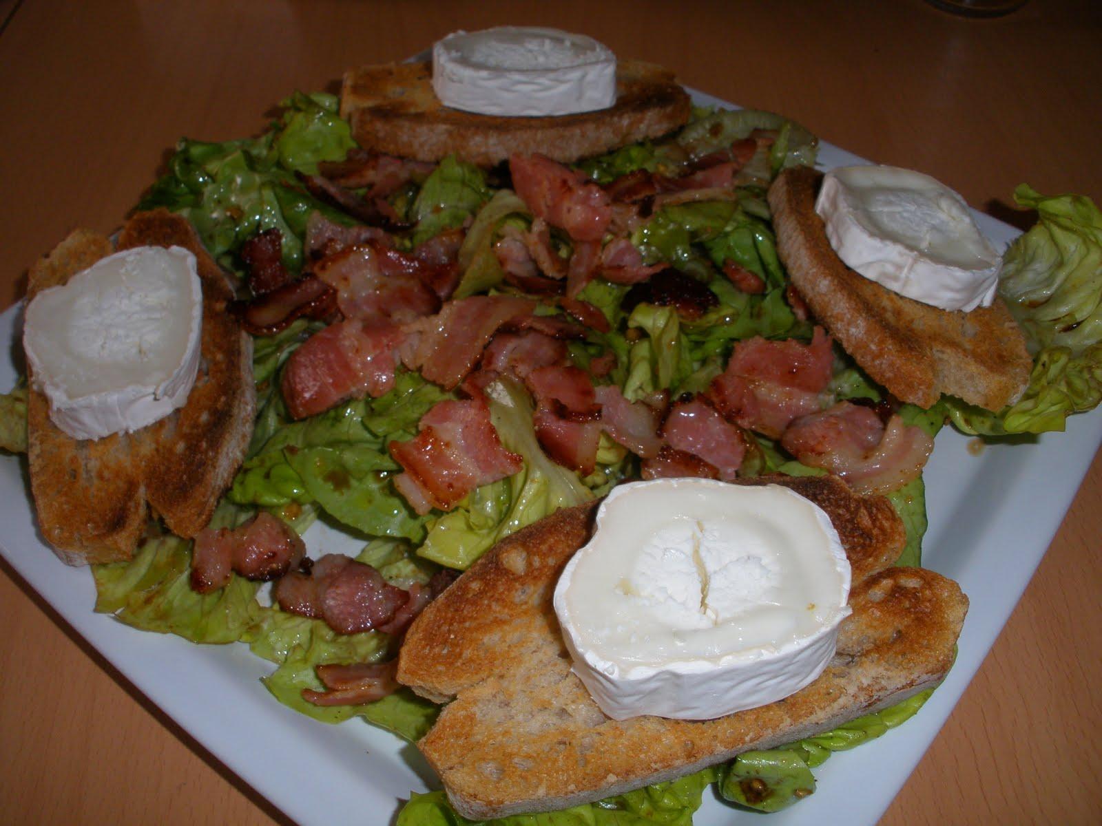 Salade de poitrine fum aux toast grill s et chauds de for Entree vite faite simple