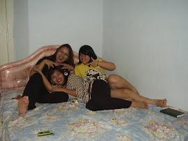 Stella, Ivonne, Widya