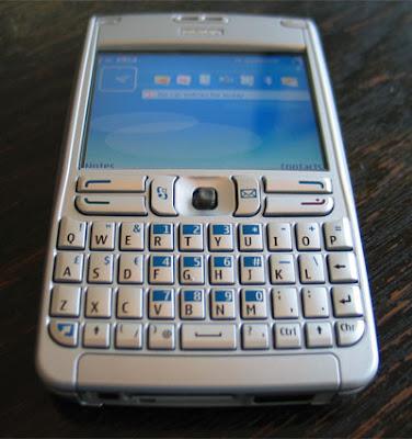 Lock your Nokia E61 via SMS