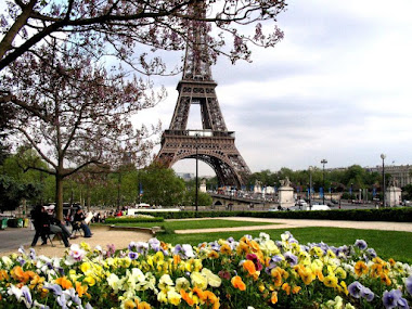 T. Eiffel /Paris...
