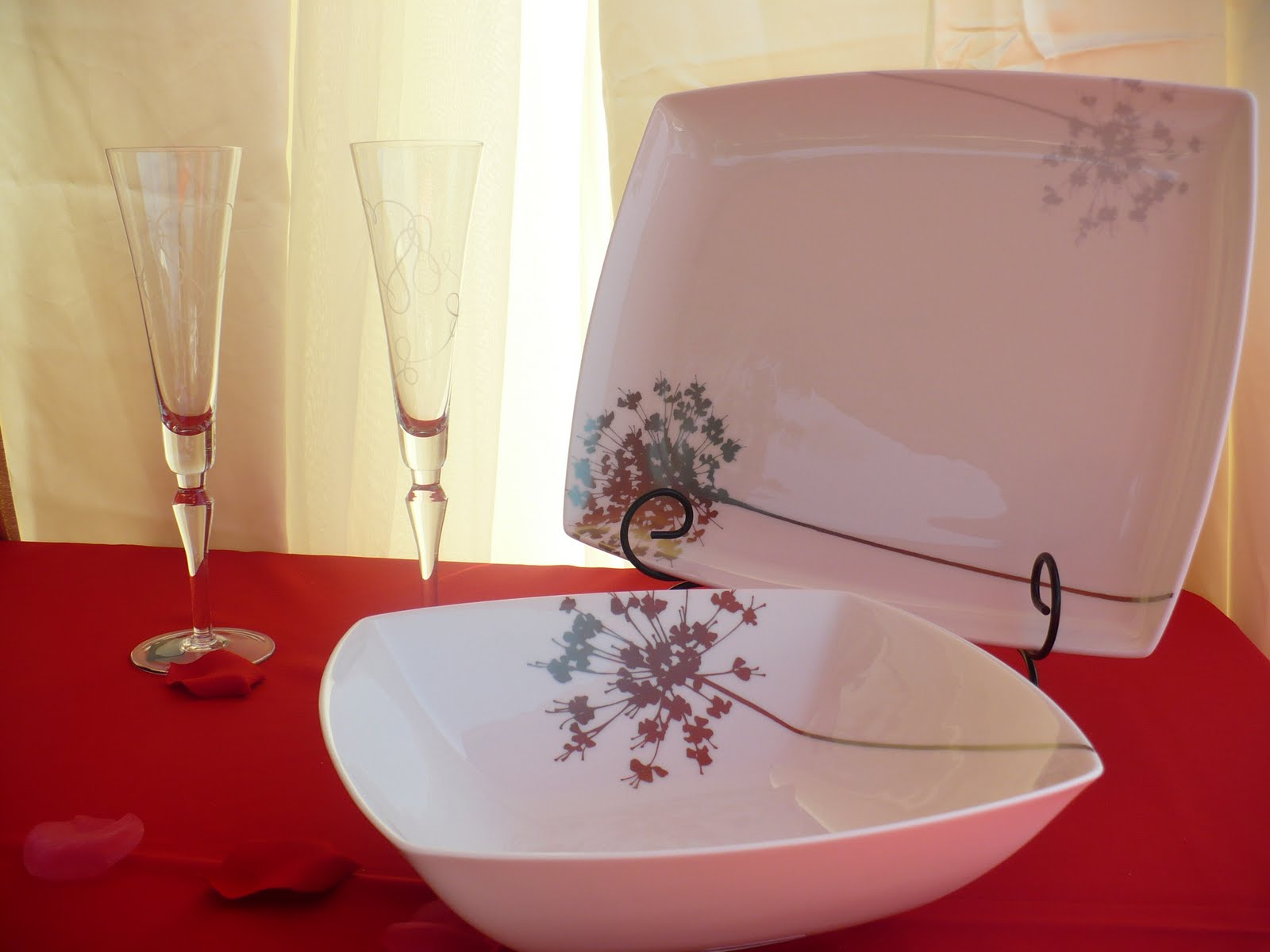 [dining+table+3.JPG]