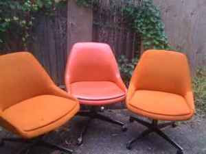 Retro Orange Swivel Chairs   $95 (Cambridge)  Http://boston.craigslist.org/gbs/fuo/1398302225.html