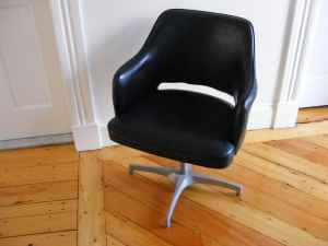 Vintage Brody Chair 25 Charlestown