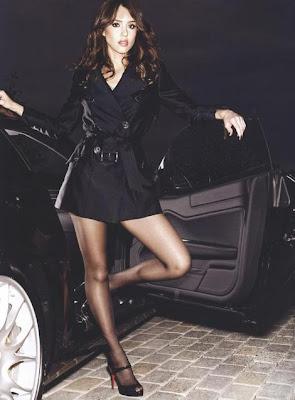 sexy jessica alba en fhm magazine