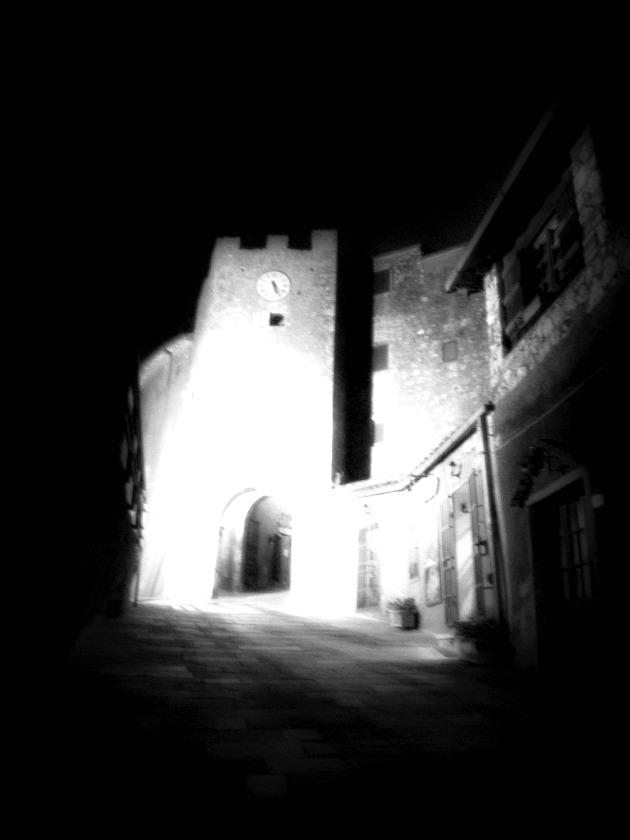 Tiziana rinaldi art the t time 485 passeggiando nel - Immagini fantasma a colori ...