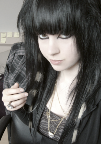 emo style hair girl. Emo Hairstyles For Girls.1