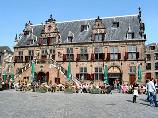 Frülingsonne -De Waag- Nijmegen (Von Reinder Ter Horst)
