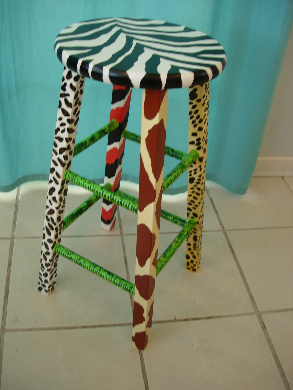 Cross Country Crafts Annimal Print Stool And Jungle Lamp