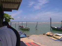 Nelayan mencari rezeki..