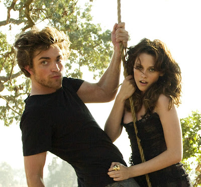 http://4.bp.blogspot.com/_ssSucj5s0mM/SXXfsxOd9LI/AAAAAAAAHEs/DPxzbUwHtzU/s400/Robert+Kristen+on+Swing.jpg