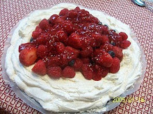 Raspberry Pavlova
