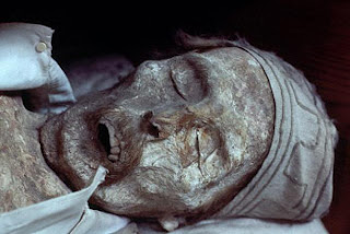 A mummified body in the Catacombe dei Cappuccini in Palermo, Sicily images photos gallery