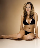 Rebecca Loos Ex David Beckham affair in a black bikini photoshoot pic