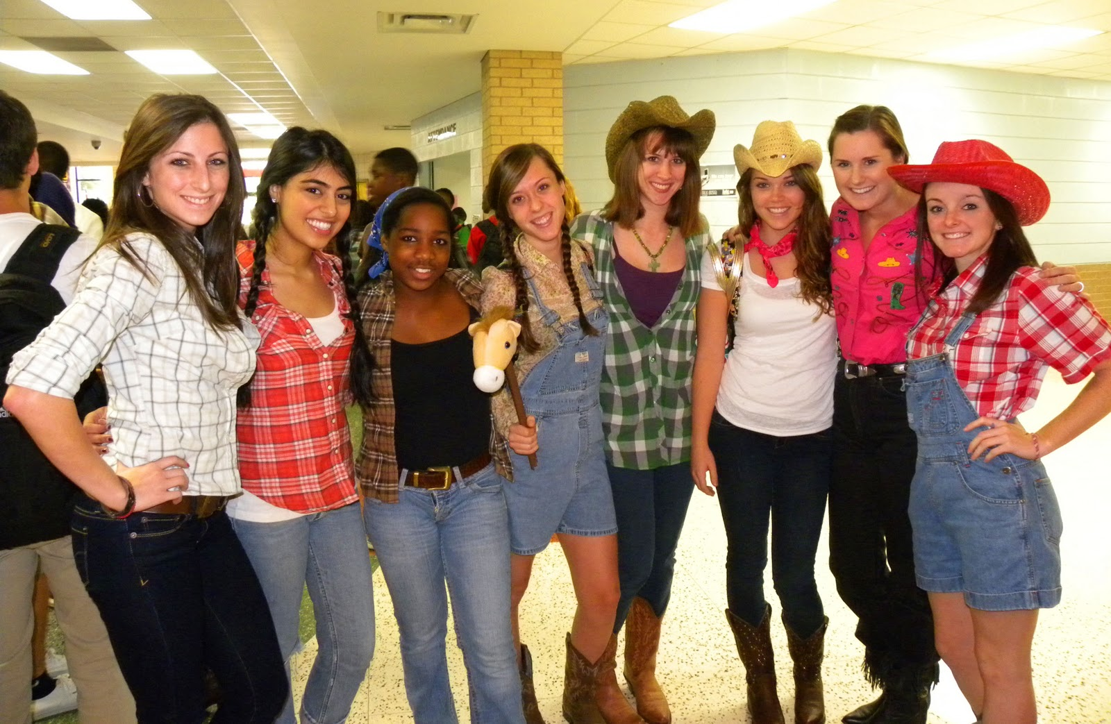 Tacky Day Ideas http://kaitlynsproject365.blogspot.com/2010_09_01_archive.html