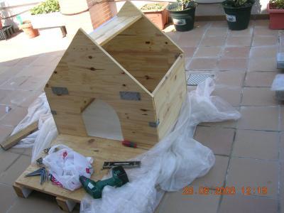 Muebles gratis con palets casa para el perro for Construir casa de perro