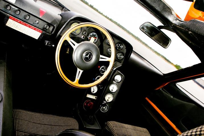 Karznshit 76 Mercedes C111 Iid