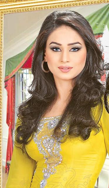 hot pakistani model and dancer