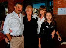 Berta, Silvina, Maia y JR Feb 07