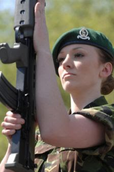 Inilah Tentara Tercantik di Dunia | Foto Katrina Hodge