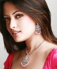 10 artis bollywood tercantik 2012