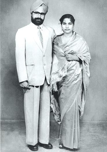 Here is a Resume of a very respected personality in India- Dr. Manmohan  Singh Dr Manmohan with Wife Gursharan Kaur ...
