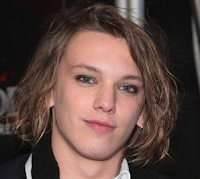 Jamie Bower é entrevistado e fala sobre a série 'Harry Potter' e Robert Pattinson