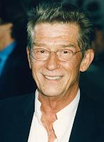 John Hurt já terminou de gravar suas cenas como Olivaras em 'Harry Potter e as Relíquias da Morte'