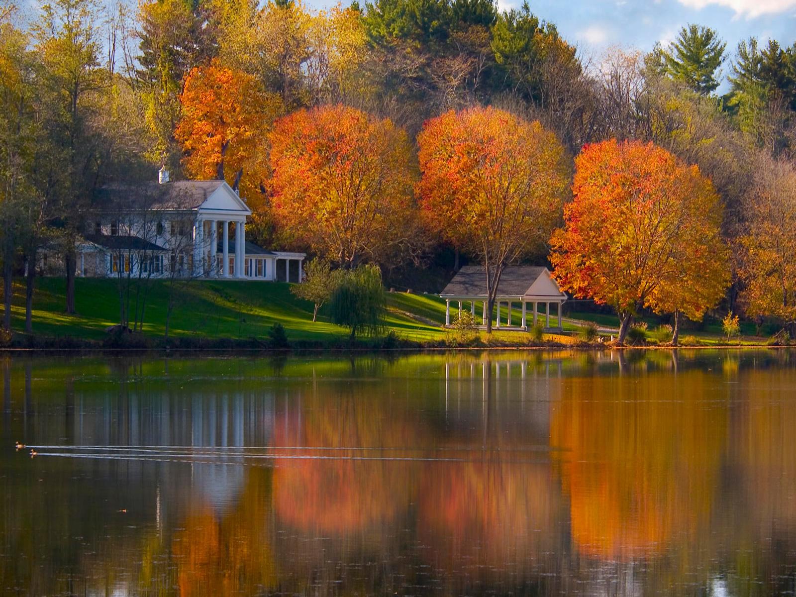 http://4.bp.blogspot.com/_sz2fJjO1XW8/TMyqAwdgAoI/AAAAAAAAG7E/ZT8QF51bPRY/s1600/autumn-landscape-wallpaper-1600x1200-1008099.jpg