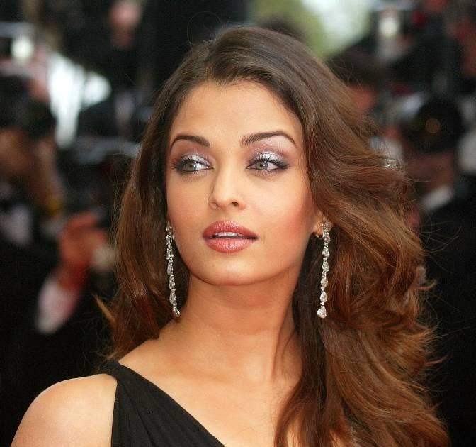 ... photos | indian girls photos: Aishwarya rai wearing transparent dress