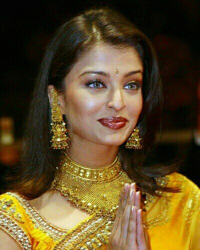 Wallpapers Of Aishwarya Rai Latest. Aishwarya Rai Hot Photos
