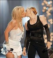 Beso de Madonna y Britney Spears