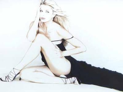 Alba Parietti totalmente desnuda