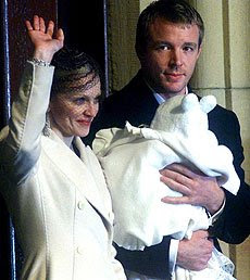 Madonna en el bautizo de su hijo Rocco