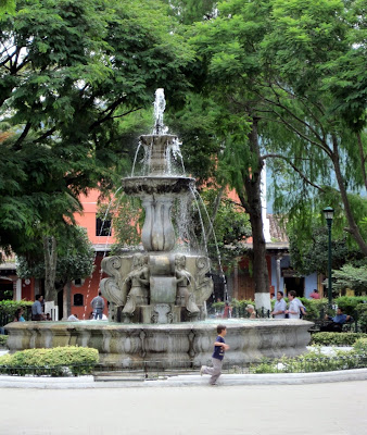 central park fountain Guatemala Daily Photo  The Most Famous Central Park Fountain of the Country