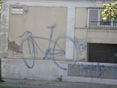 bike, bringa, Budapest, graffiti, Mogyoródi út, street art, vandalizmus, Zugló, Kós Károly kollégium