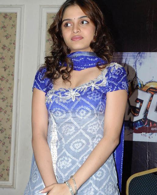 sheena shahabadi hot pics