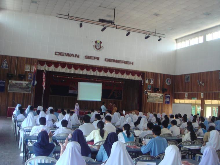 """Seminar & Deklarasi Pelajar """"Perfect A"""" PMR 2008"""