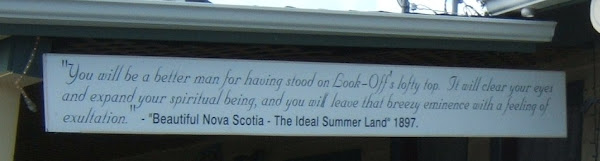 sign on the Cafe at the Look-Off