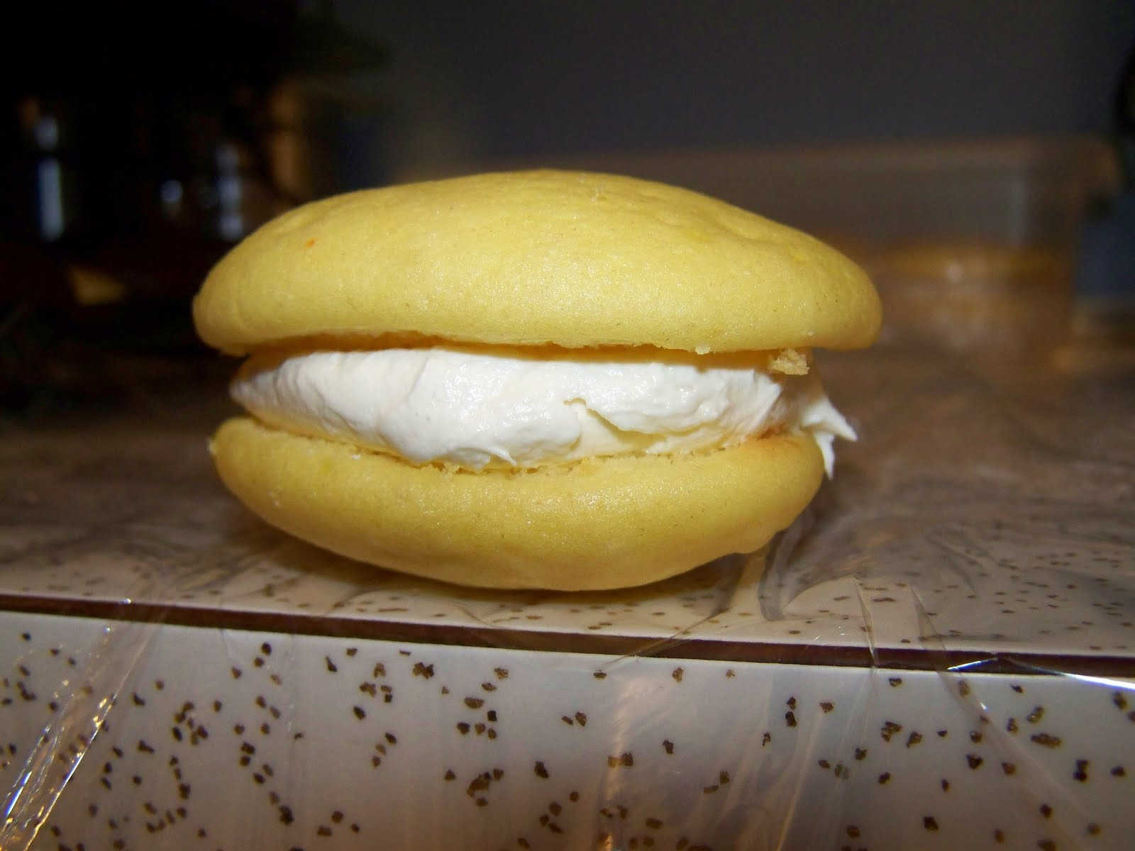Lemon Whoopie Pies Made From Cake Mix