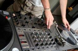 Ouvir musica eletronica