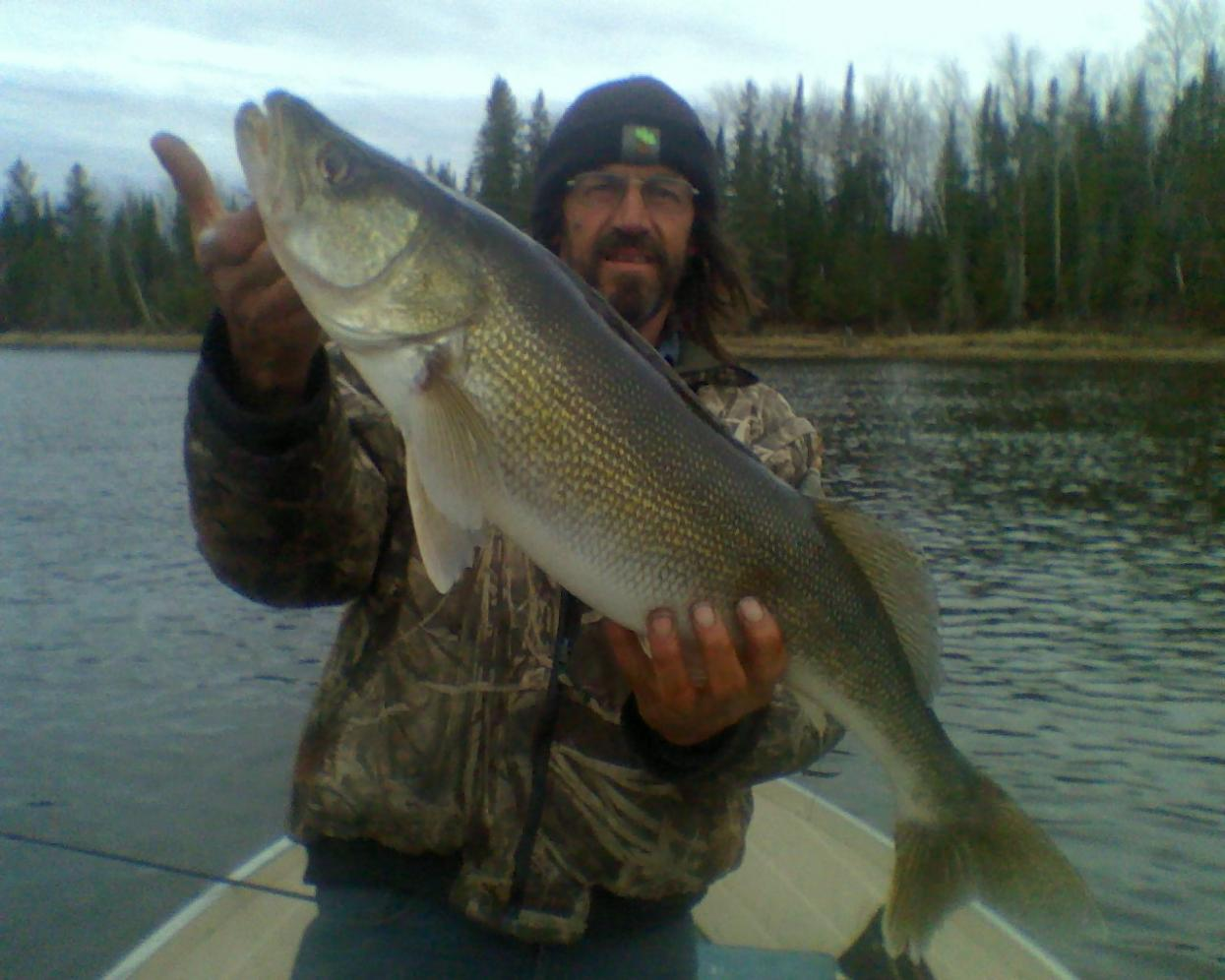 Wigwam fisherman 39 s blog as the walleye fishermen leave for Rainy river fishing
