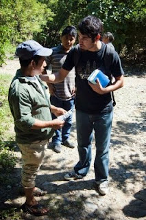 Mi amigo Diego predicando en las montañas de San Luis Potosi, Mexico!